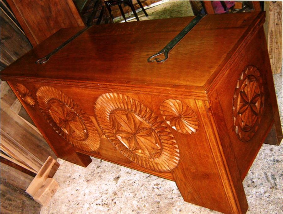 Restauration meuble r gional copies meubles anciens de for Copie meuble ancien